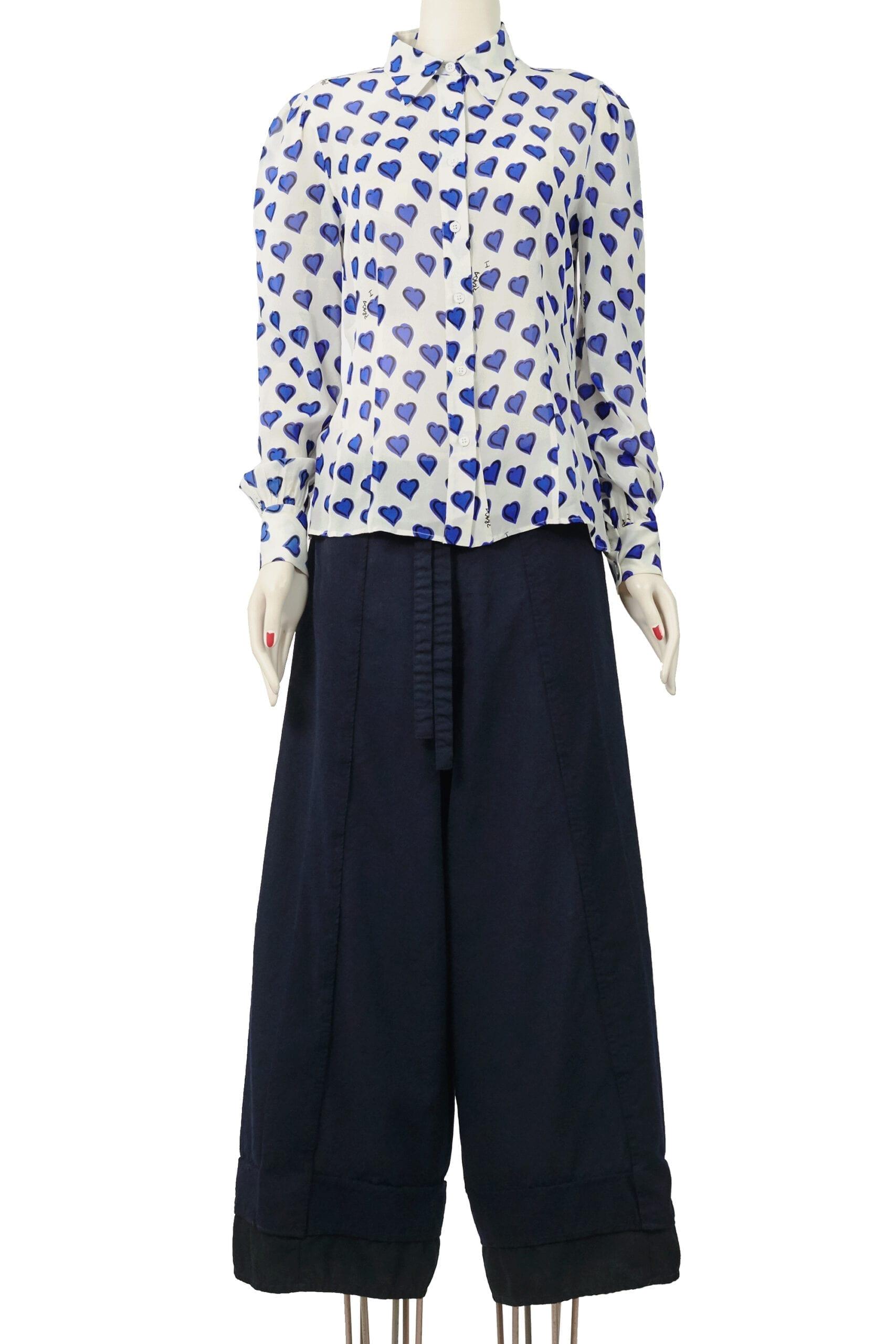 camicia bianca con cuori blu prada